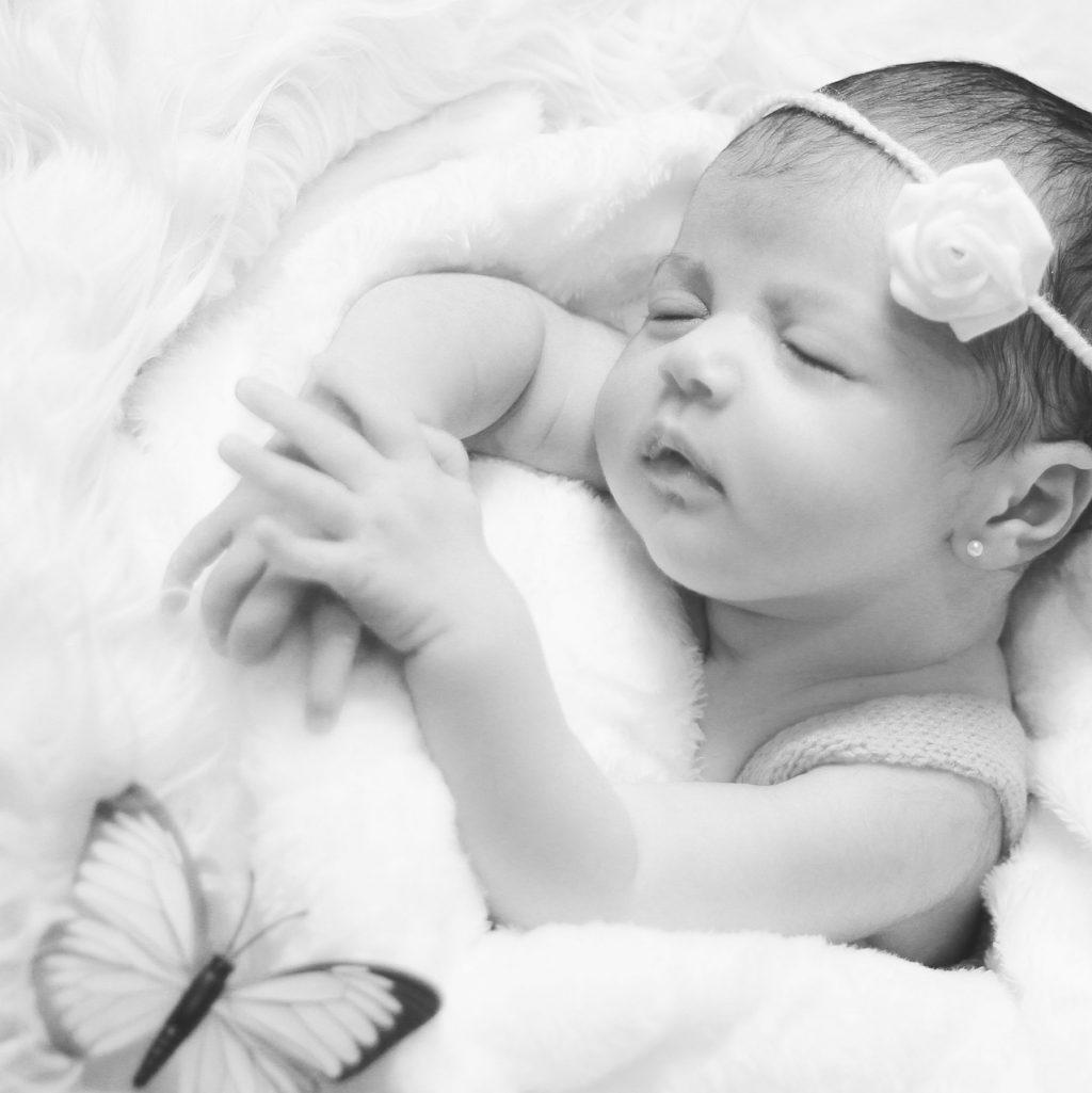 newborn-3192311_1920